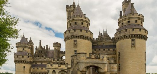 pierrefonds-castle-535531_1280