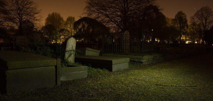 graveyard-384604_1280