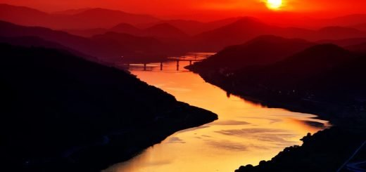 river-593021_1280