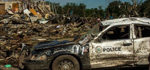 tornado-damage-115801_1920